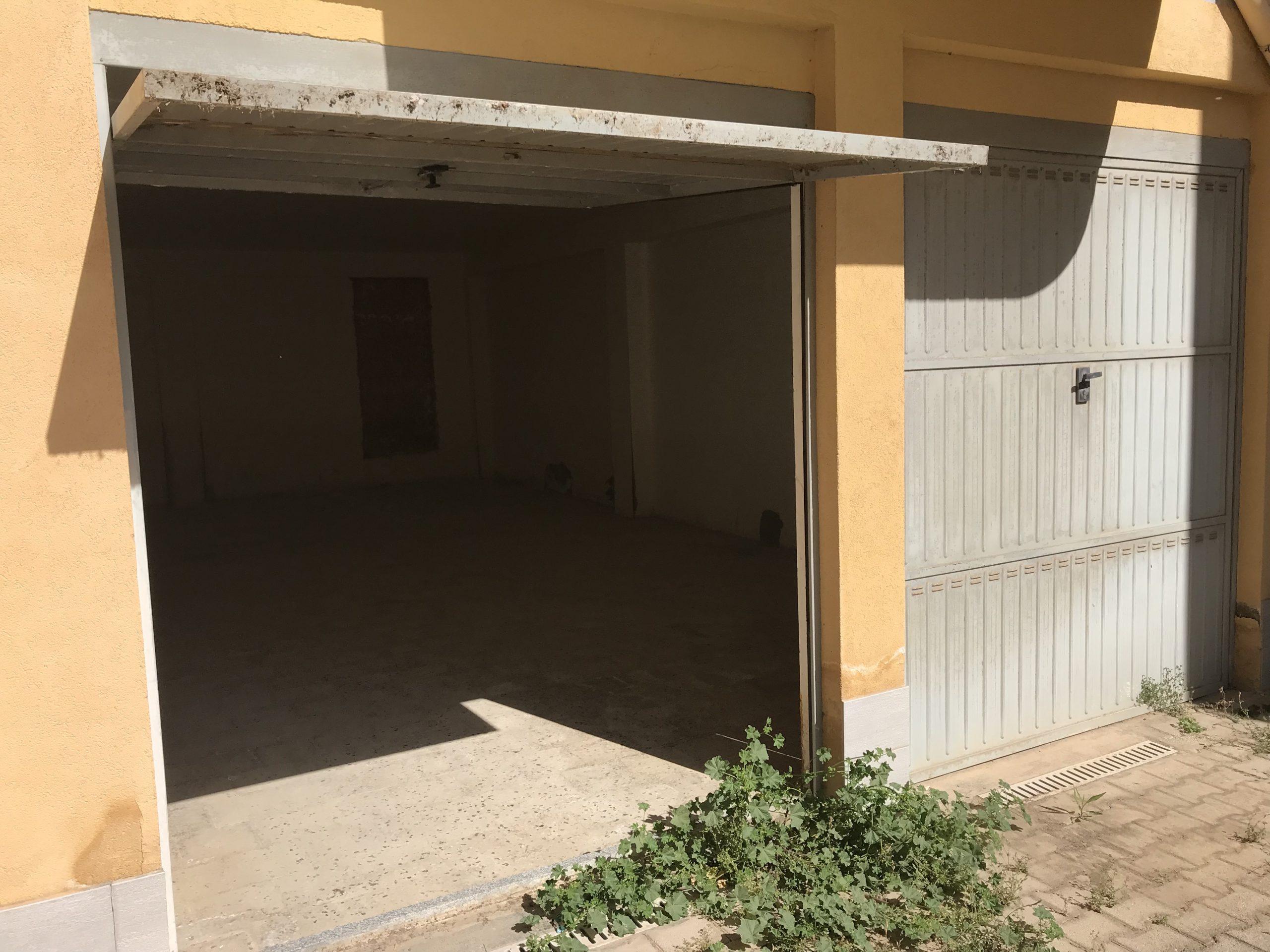 Garage o posto auto in vendita in via Mauro de Mauro