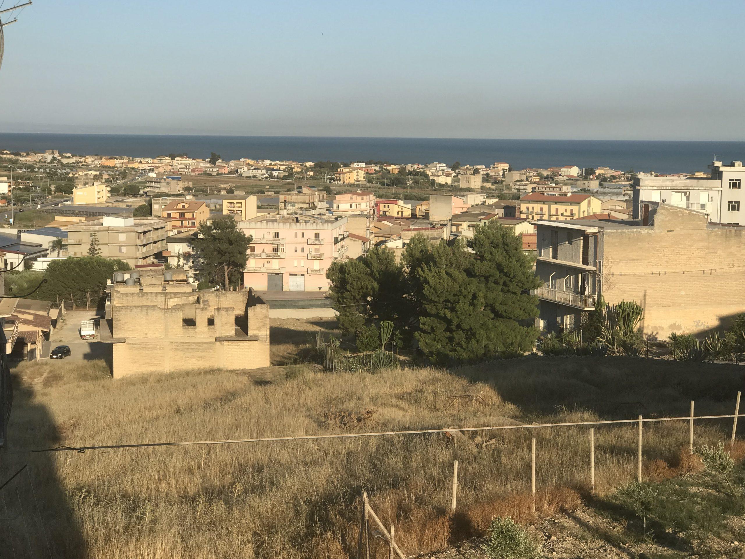 Appartamento da rifinire con terrazzo soprastante – Panoramico