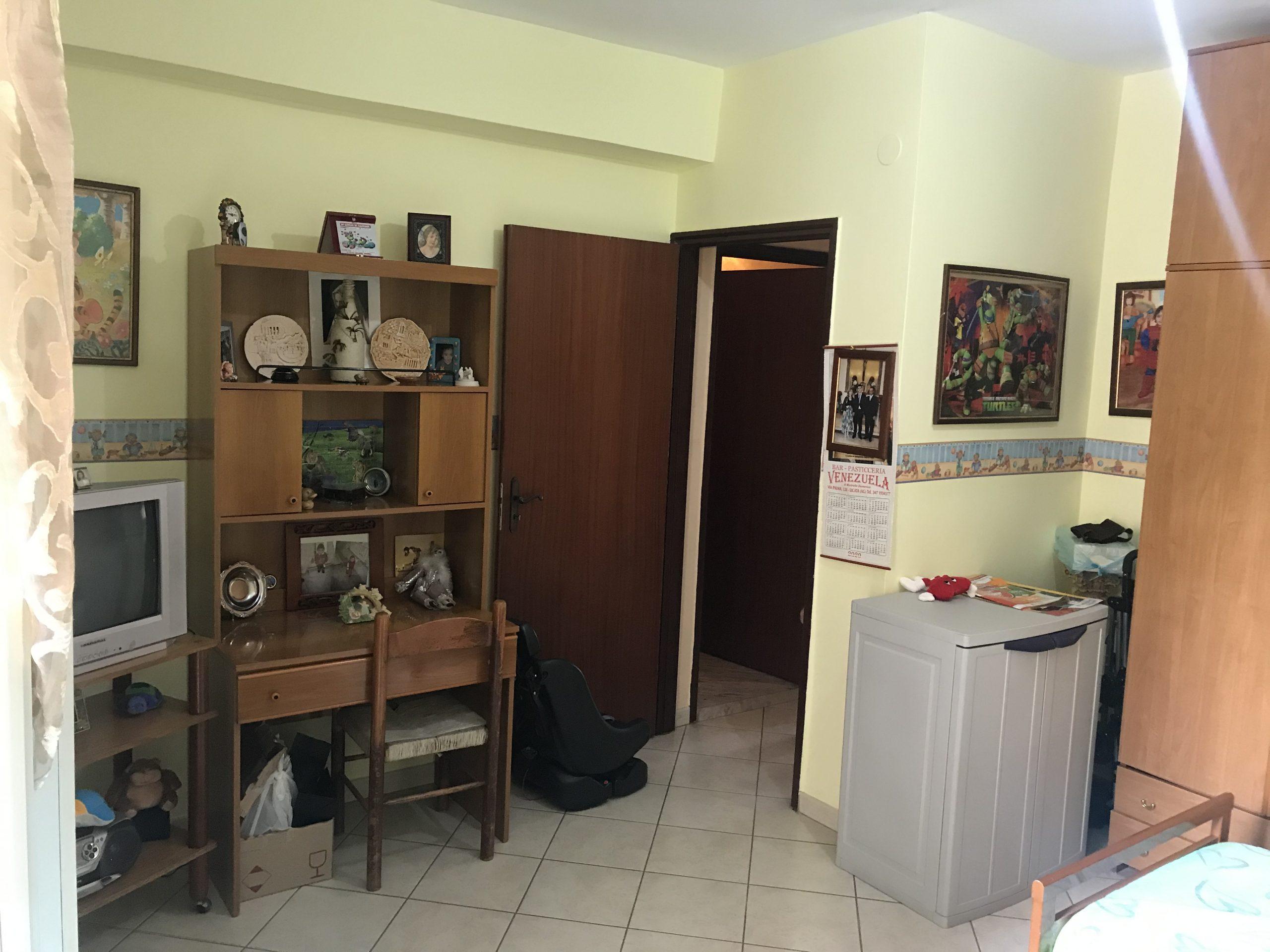 appartamento su 3 piani di 50 mq ciascuno – via montegrappa –