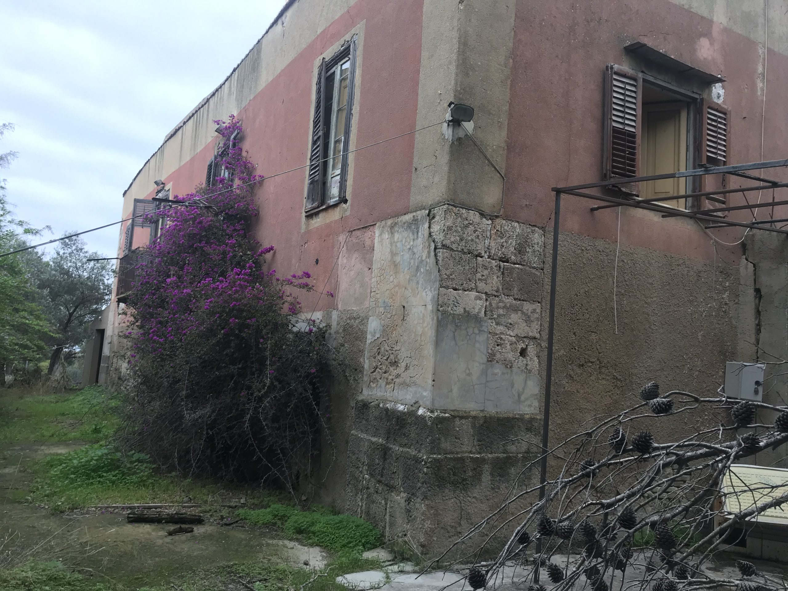 Grande Villa in contrada Montesole da ristrutturare