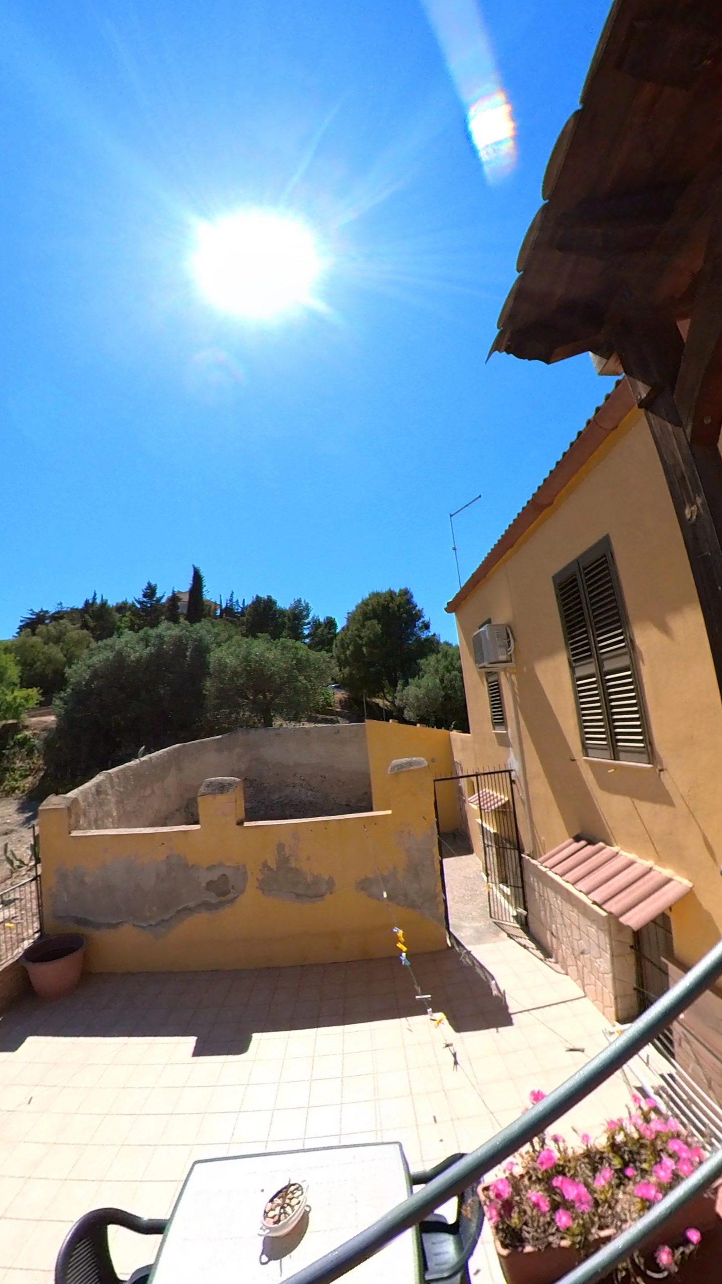 Villa con terreno in vendita In via Monserrato